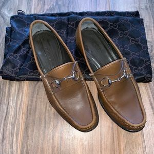 Gucci Shoes - Classic Gucci Horsebit loafers in brown